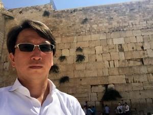 """""""パワースポット""""1:ユダヤ教で最も神聖だったといわれるエルサレム神殿の現存する外壁「嘆きの壁」"""
